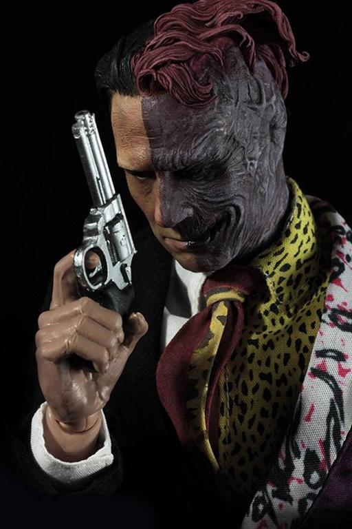 TWO-FACE - Batman